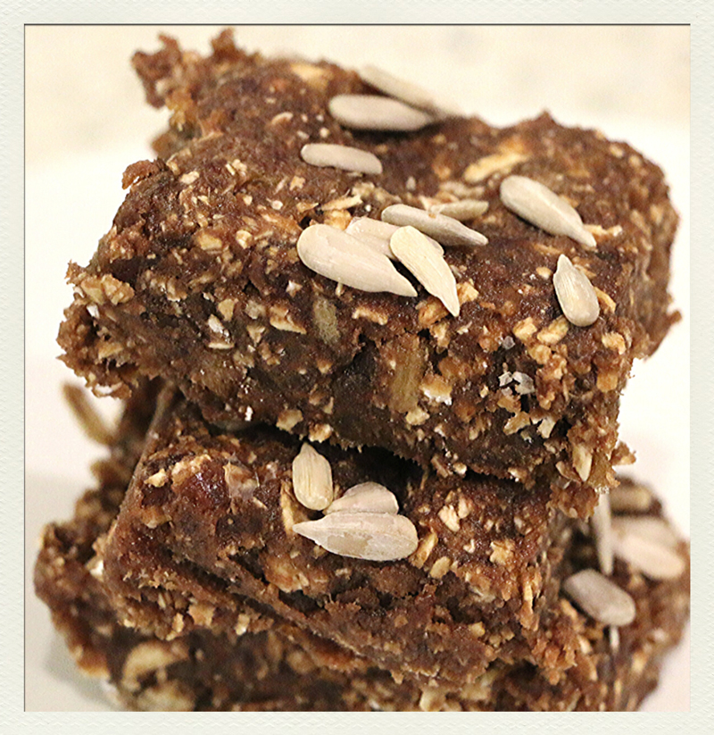 Best Vegan Recipes No-bake-protein-bars-Chew-on-Vegan